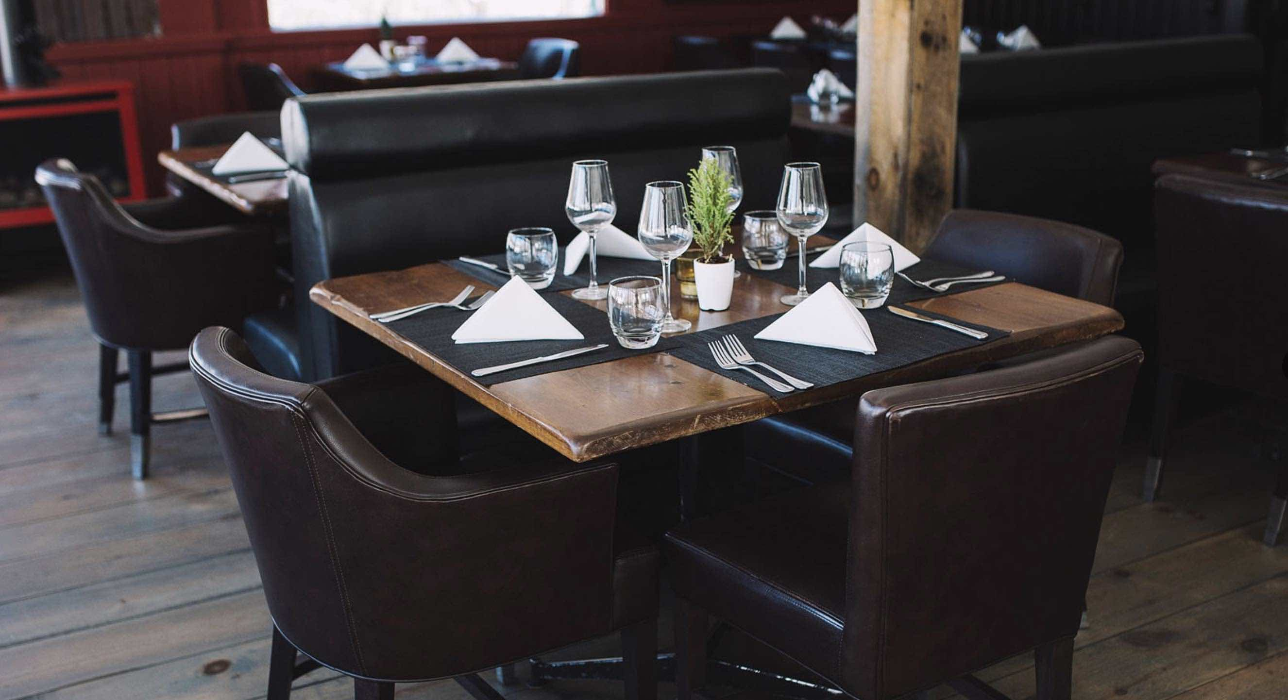 Rhubarb restaurant Haliburton interiot thigns to do in Minden